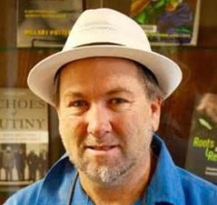 Arturo J. Aldama